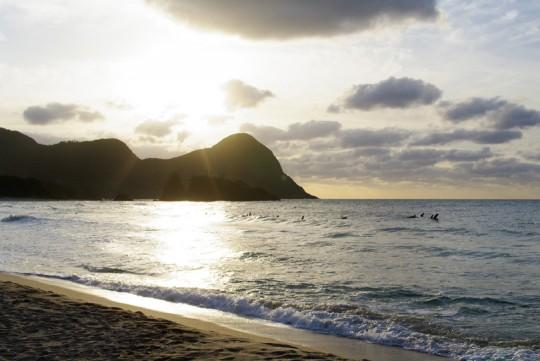 夕日に煌めく海