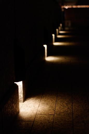 しっとりライトアップされる夜の歩廊, PENTAX K20D + FA 43mm F1.9 Limited